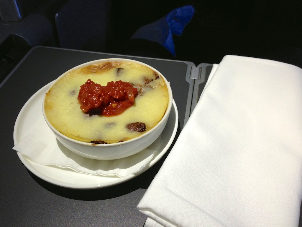 Sydney - Hong Kong Qantas A380 Business Class review