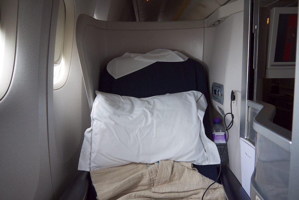 9 Seat 16A - British Airways Club World - BA15 - London to Sydney