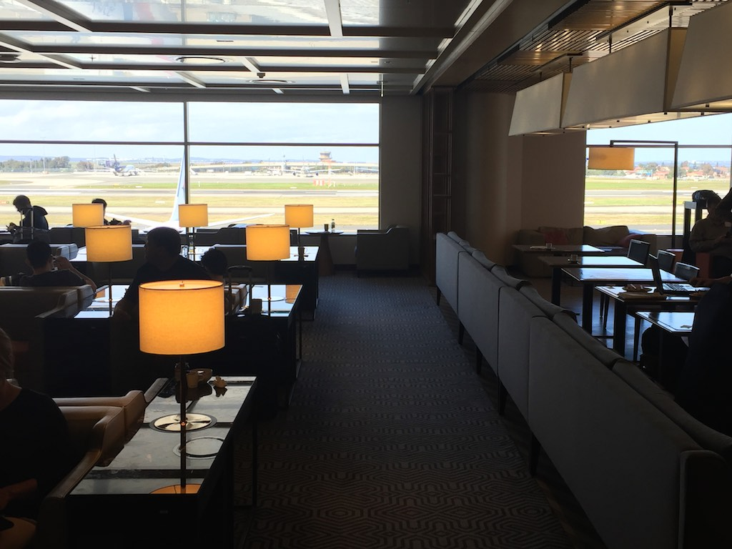 Singapore Airlines Sydney Business Class Lounge (2)