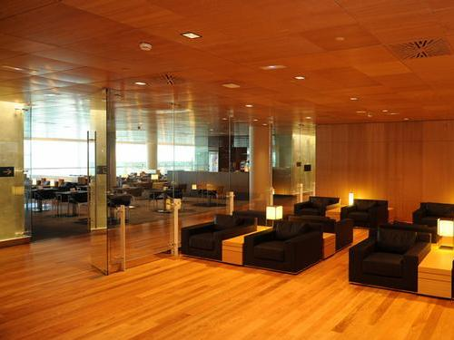 Guide to priority pass lounges with australian credit for Sala 1 pau casals