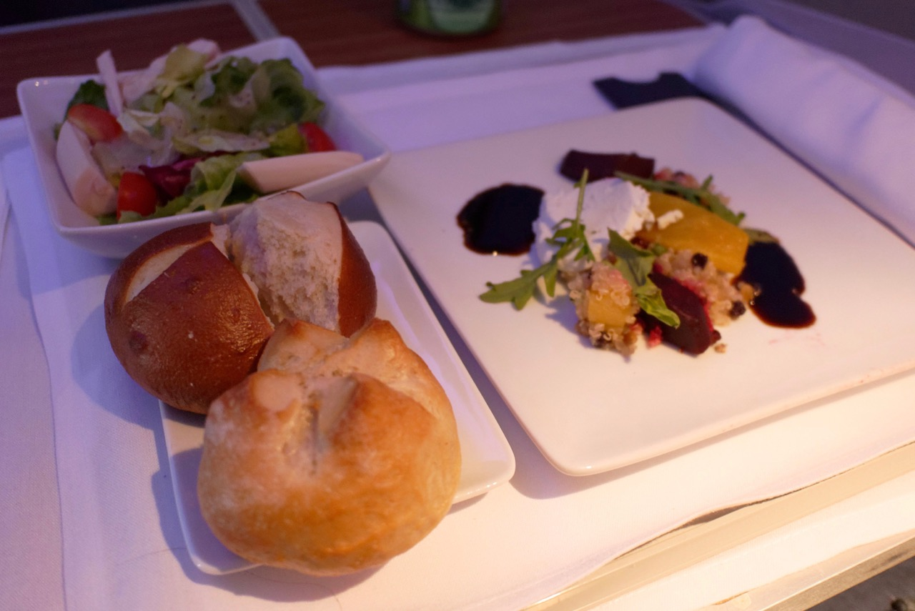 American Airlines AA142 Business Class Dining