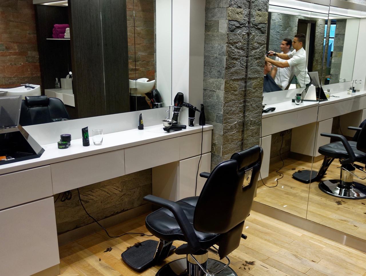 Etihad Premium Lounge Abu Dhabi - Barber