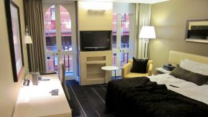 InterContinental Melbourne The Rialto Review – King Deluxe Room