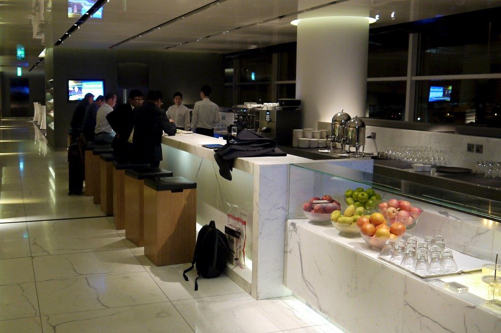 Cathay Pacific's - The Cabin Lounge review