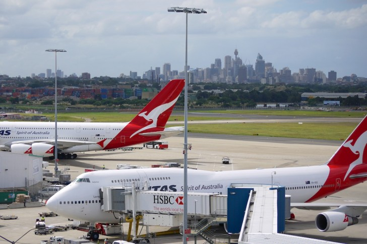 Exterior shot of Qantas Airlines 747 and A380 in Sydney | Point Hacks