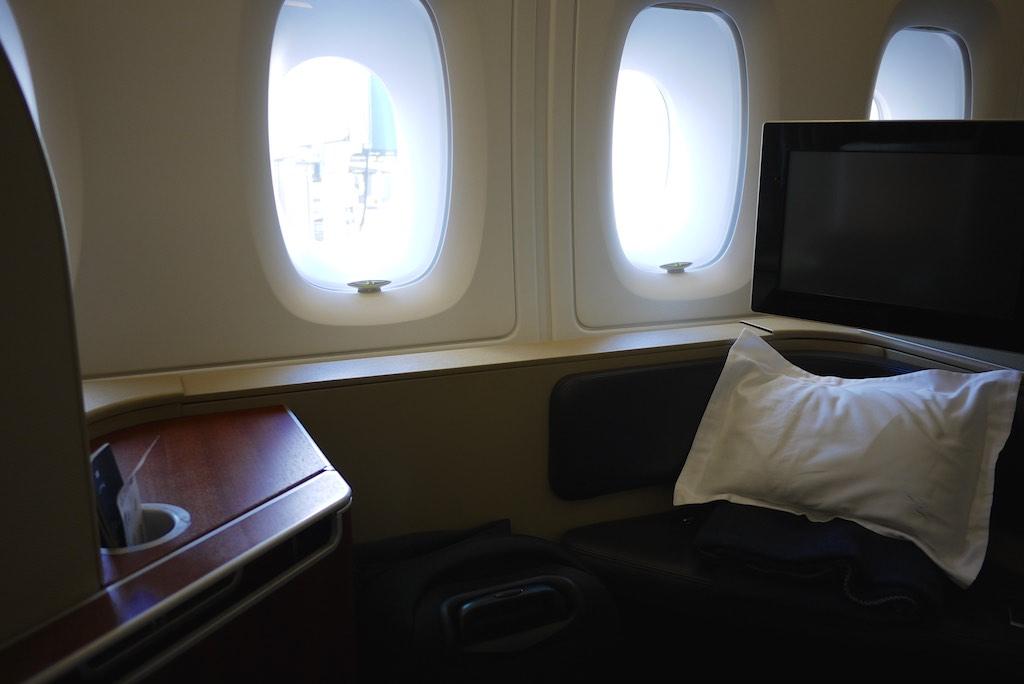 8 Qantas A380 First Class Suite - QF127 Sydney - Hong Kong