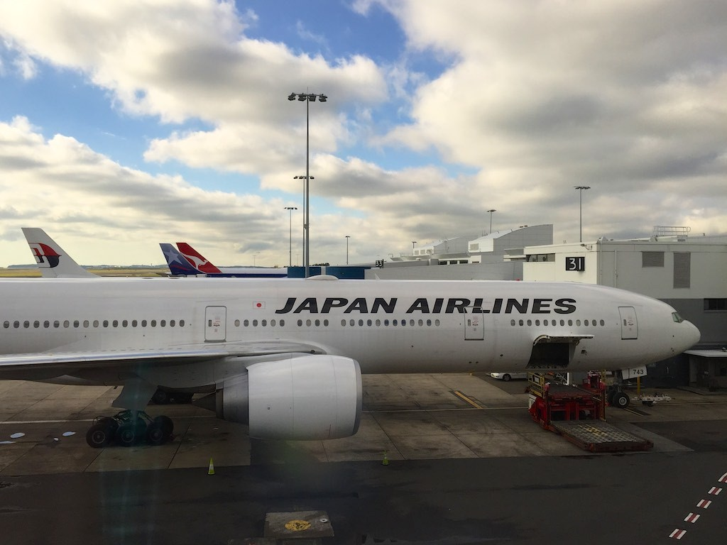 Japan Airlines 777 JL772 at Sydney Airport | Point Hacks