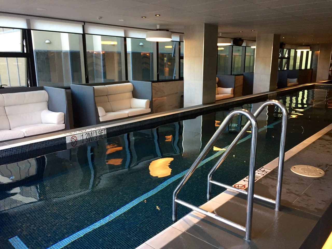 Sheraton Melbourne Pool (2) | Point Hacks