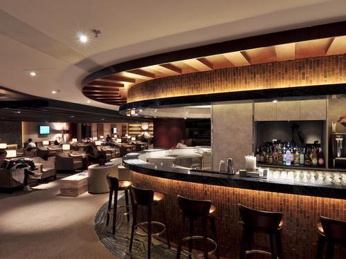 Hong Kong Plaza Premium bar
