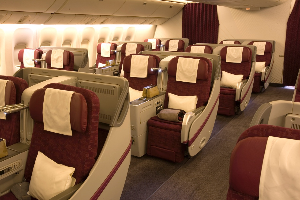 Qatar Airways 777-300ER Business Class 2