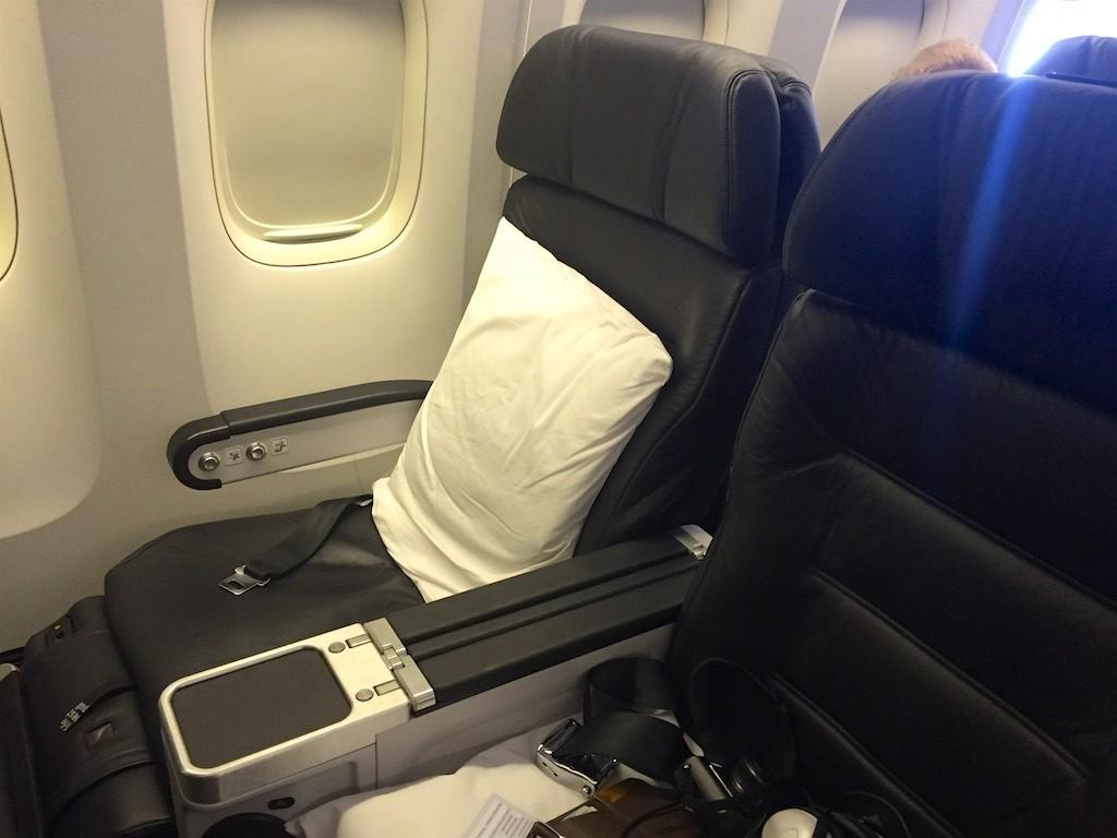 Air New Zealand Premium Economy 777-200 | Point Hacks