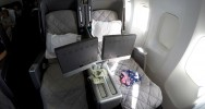 Qantas 747 Business Class Seat | Point Hacks