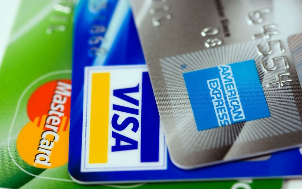 The best points-earning credit cards with a low income requirement