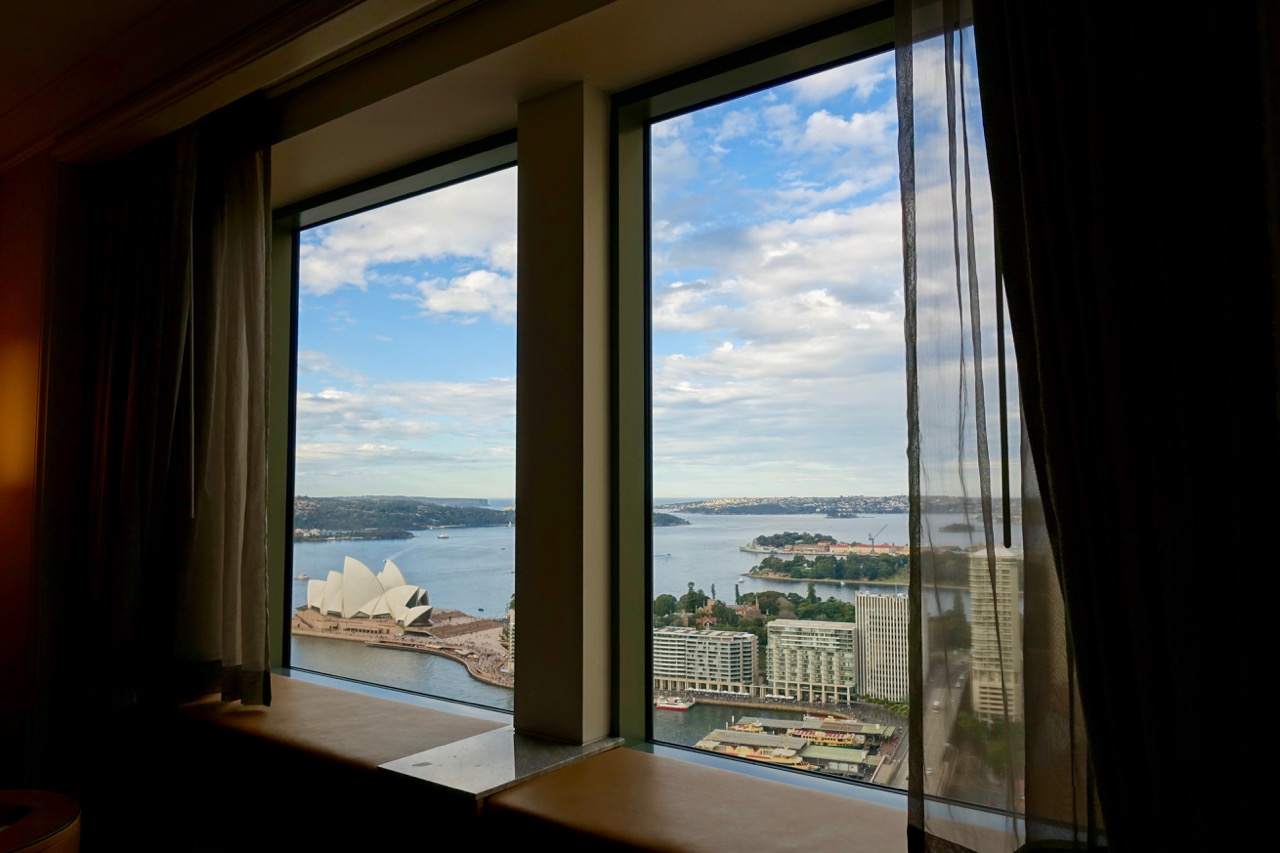 Shangri-La-Sydney-Horizon-Club-Opera-House-View-Room-Review-7.jpg