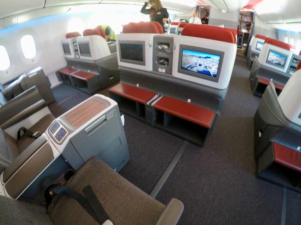 LATAM Boeing 787 Dreamliner Business Class