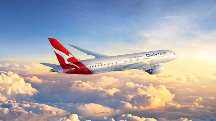Qantas 787 plane midflight   Point Hacks