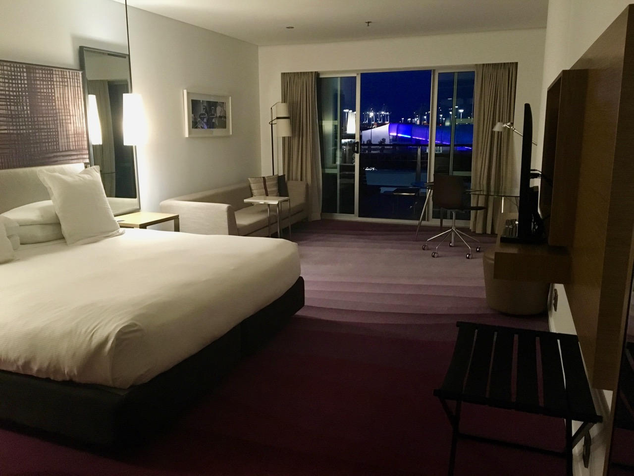 Hilton Auckland King Deluxe Harbour View room
