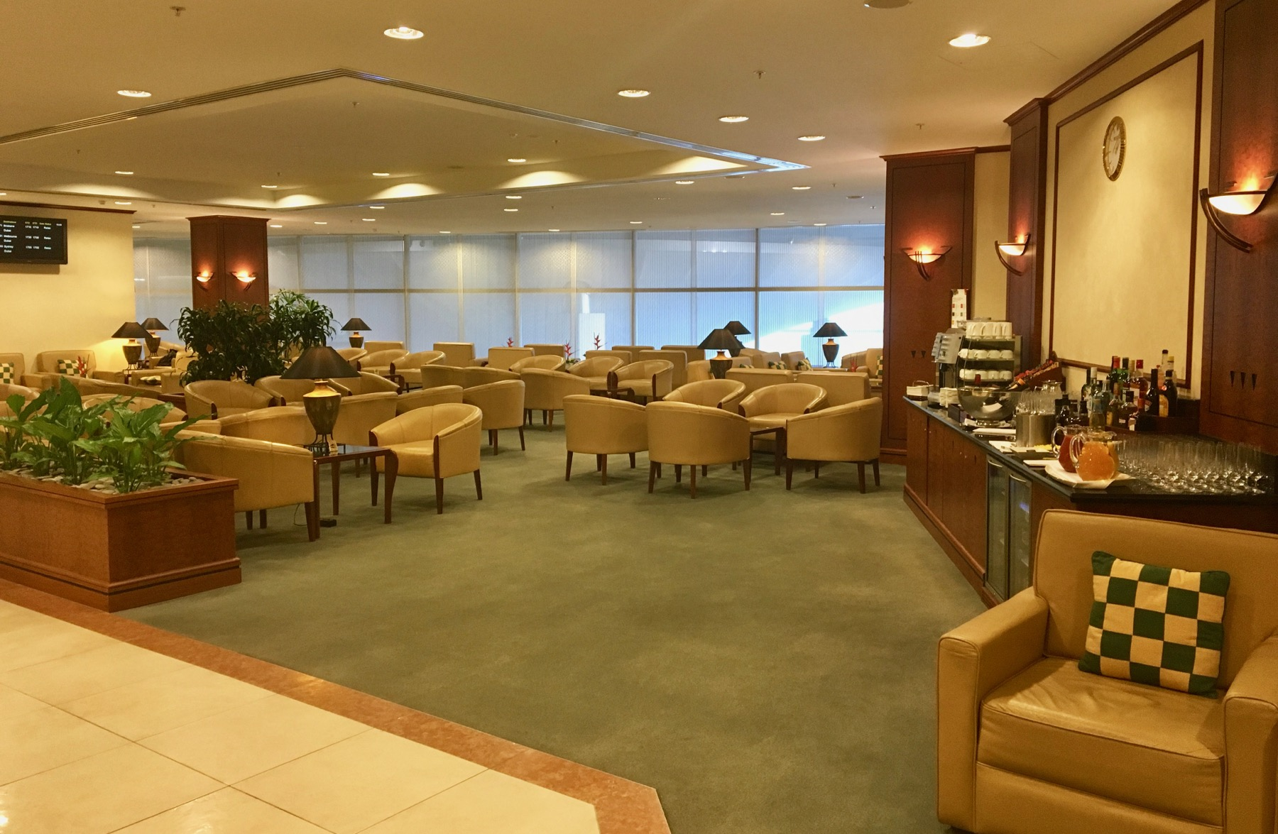Emirates lounge Auckland overview | Point Hacks