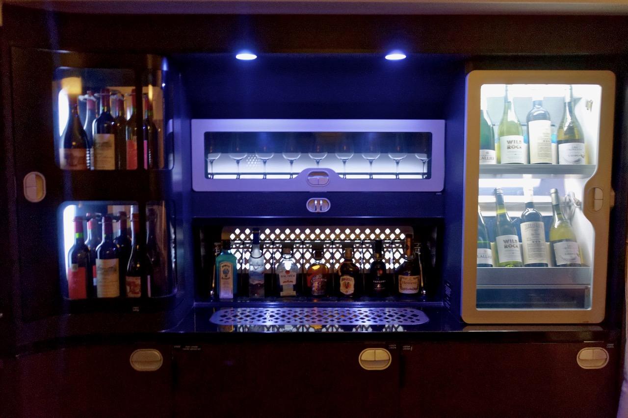 Etihad The First & Business Class Bar