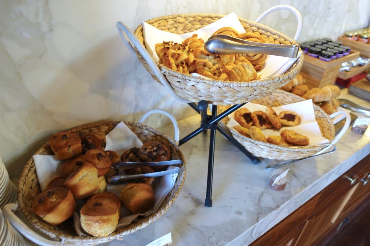 Emirates Wolgan Valley breakfast