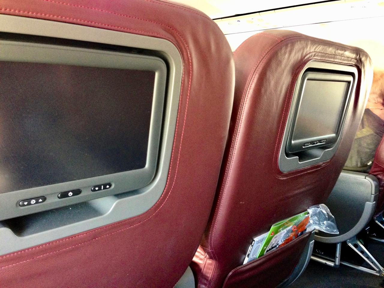 Qantas 7373 Domestic Business Class | Point Hacks