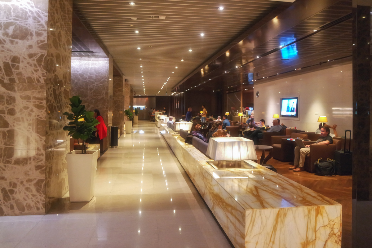 Review of Singapore Airlines SilverKris Lounge Terminal 3 Changi Airport | Point Hacks