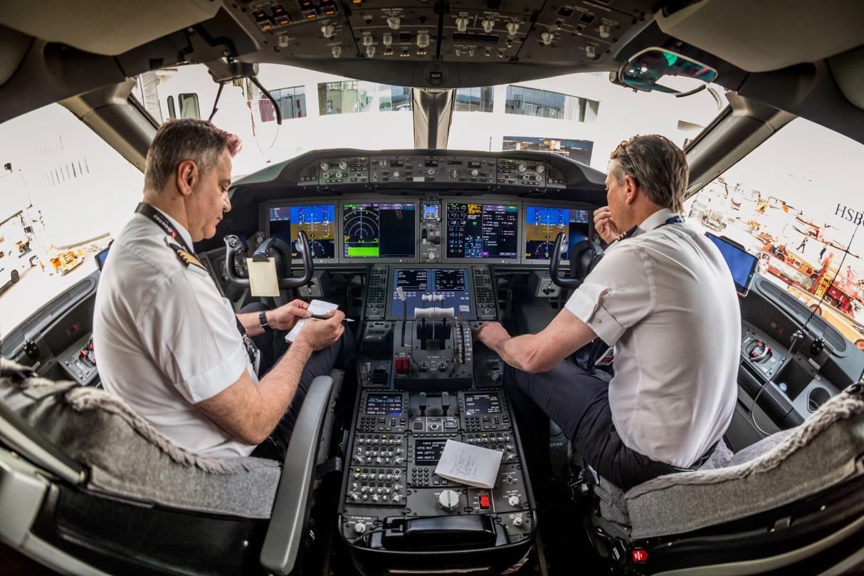Qantas 787 Cockpit | Point Hacks