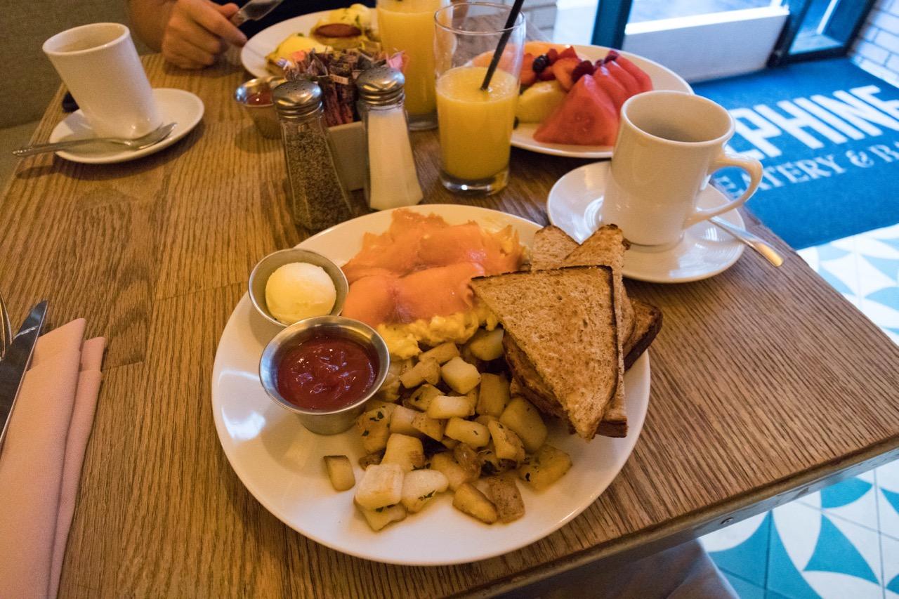 W Hotel Hollywood - Delphine Restaurant food