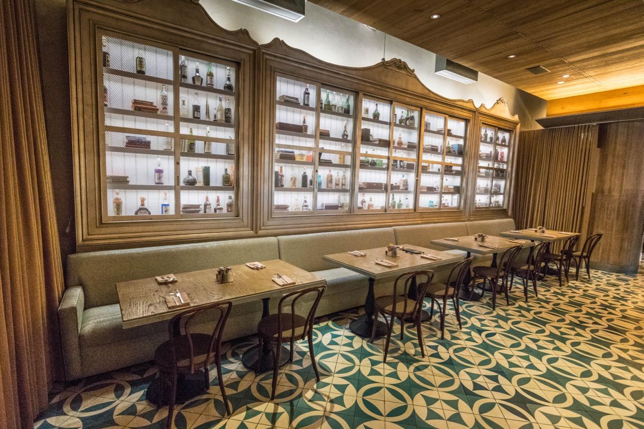 W Hotel Hollywood - Delphine Restaurant