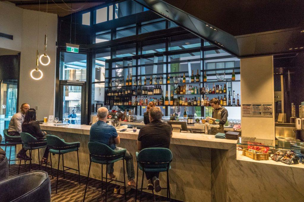 Four Points Melbourne Docklands - The Best Brews Bar