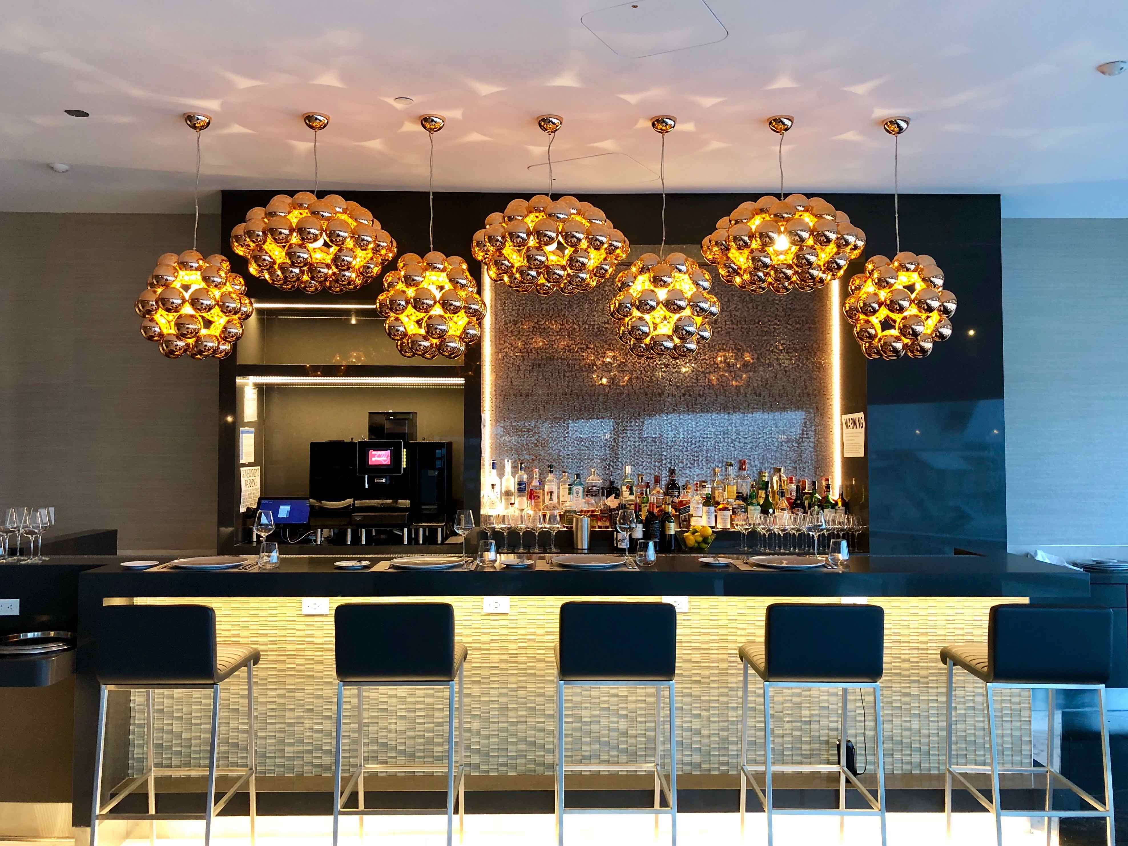 American Airlines Flagship Lounge Miami - Flagship First dining