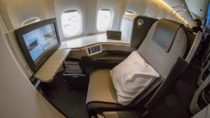 Air Canada Boeing 777-200LR Business Class overview