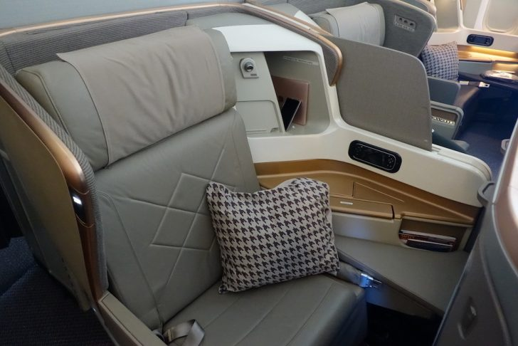 Singapore Airlines 777-300ER | Point Hacks