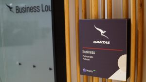 Qantas Domestic/International Business Lounge Perth overview