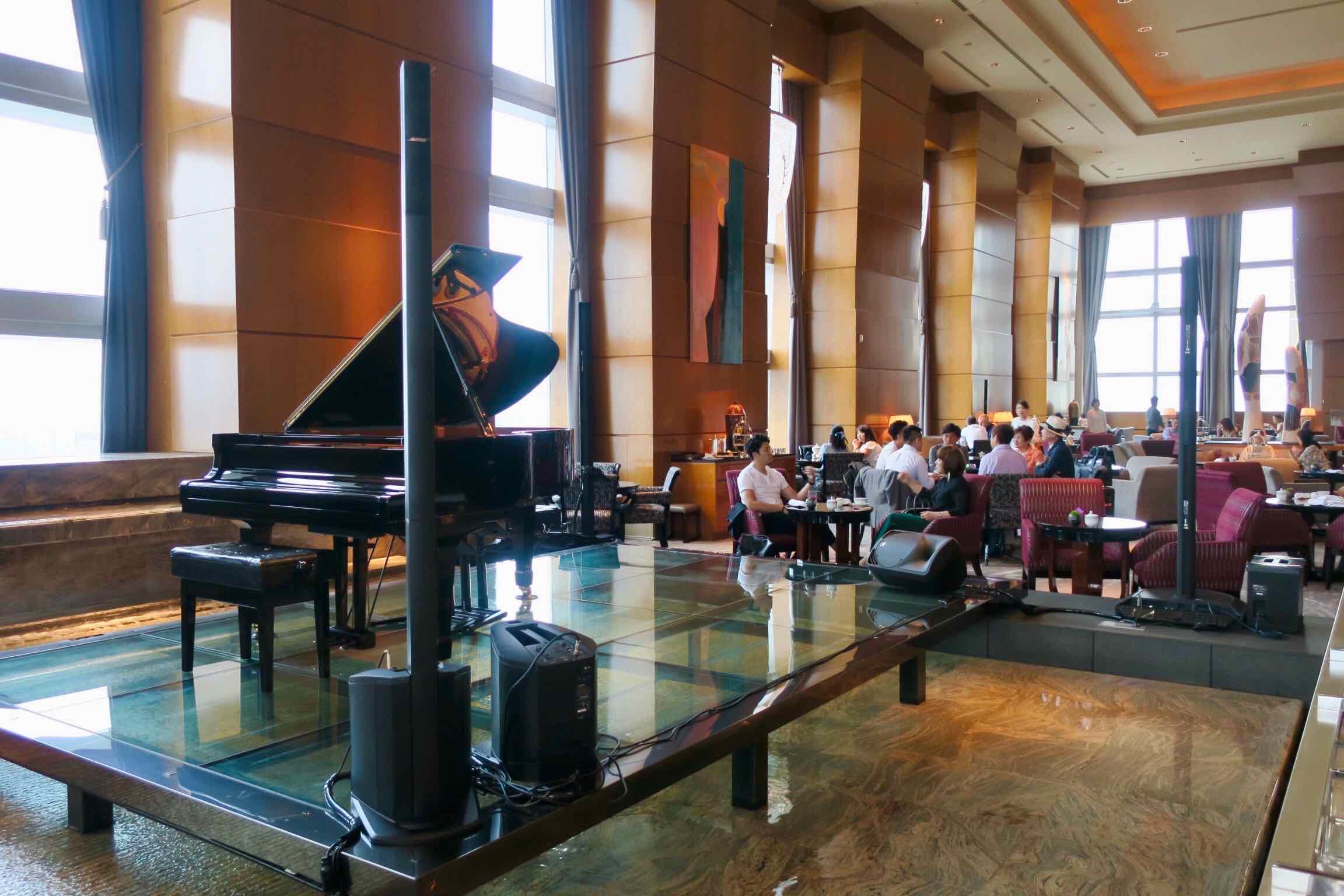 The Ritz-Carlton, Tokyo lobby