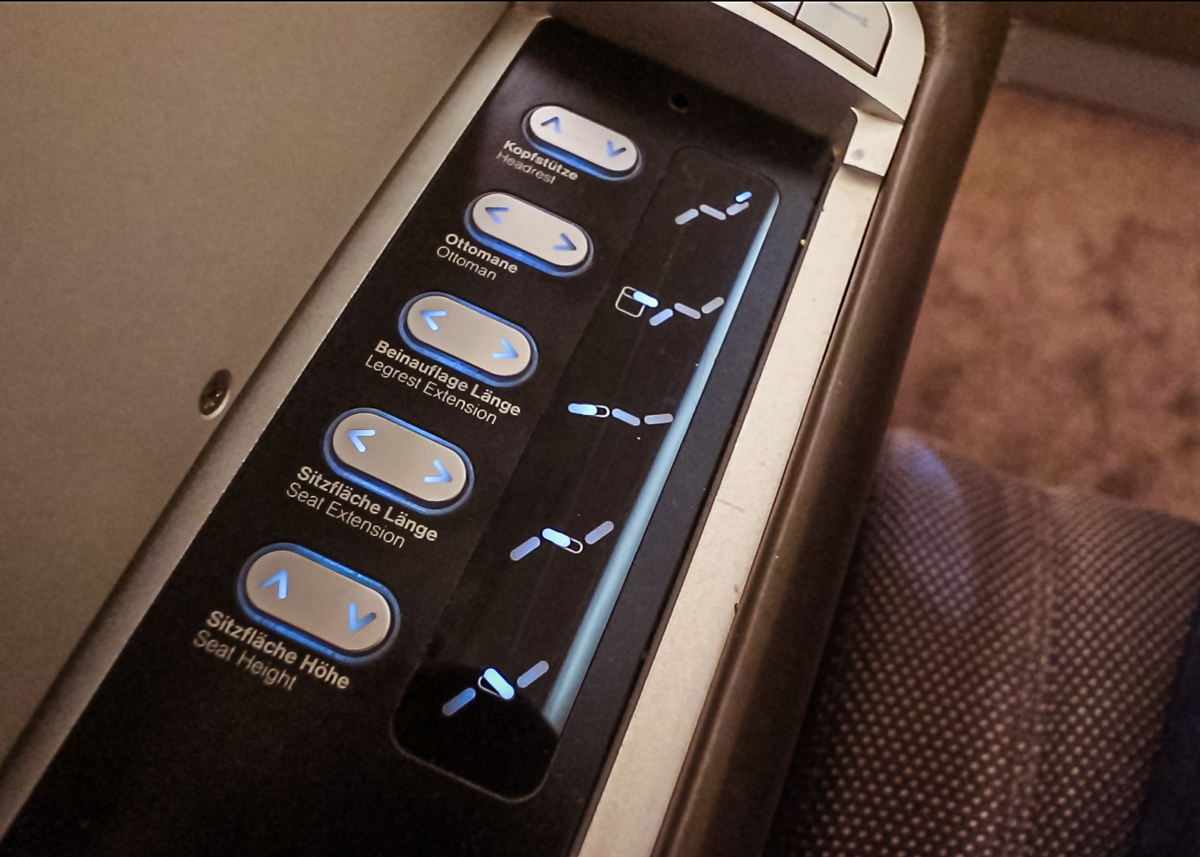 Lufthansa A380 First Class seat adjustment control