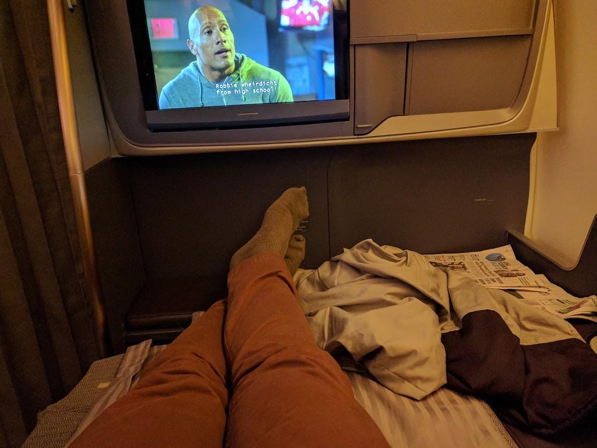 Plane lie-flat bed
