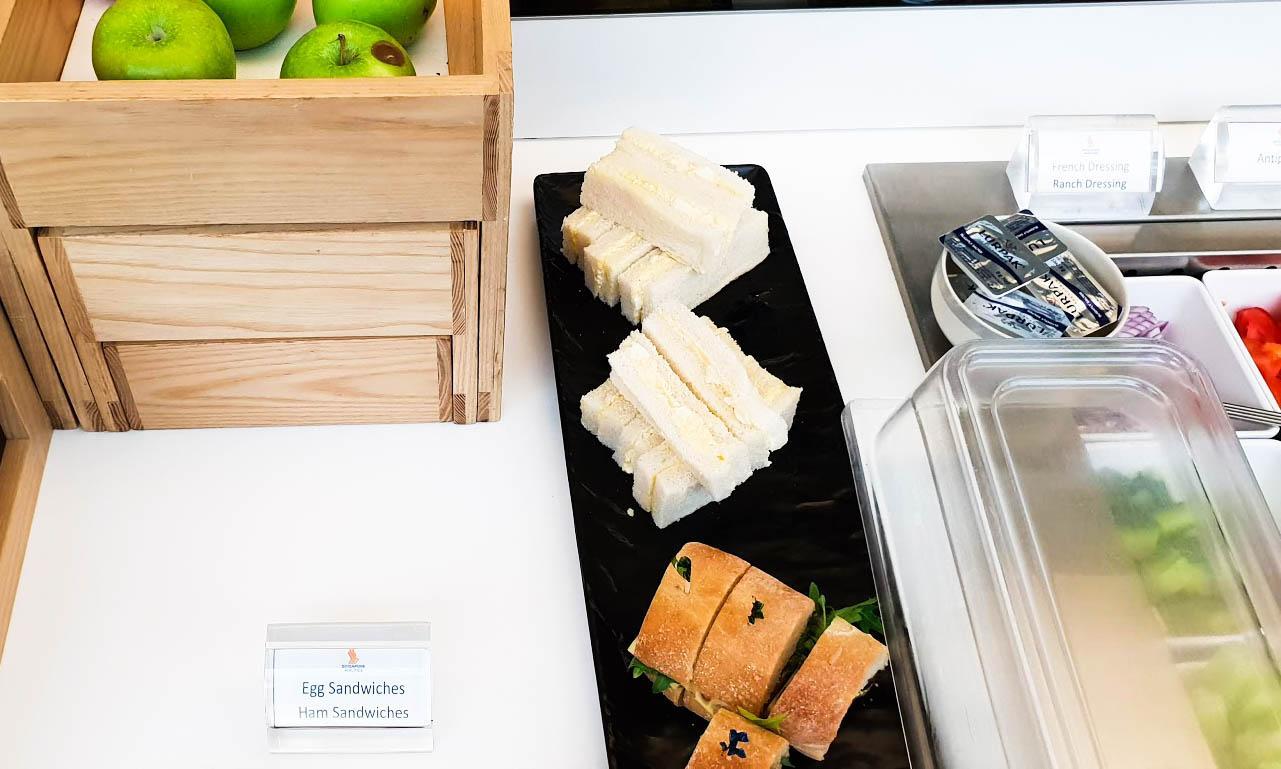 SilverKris Business Class Lounge Melbourne food