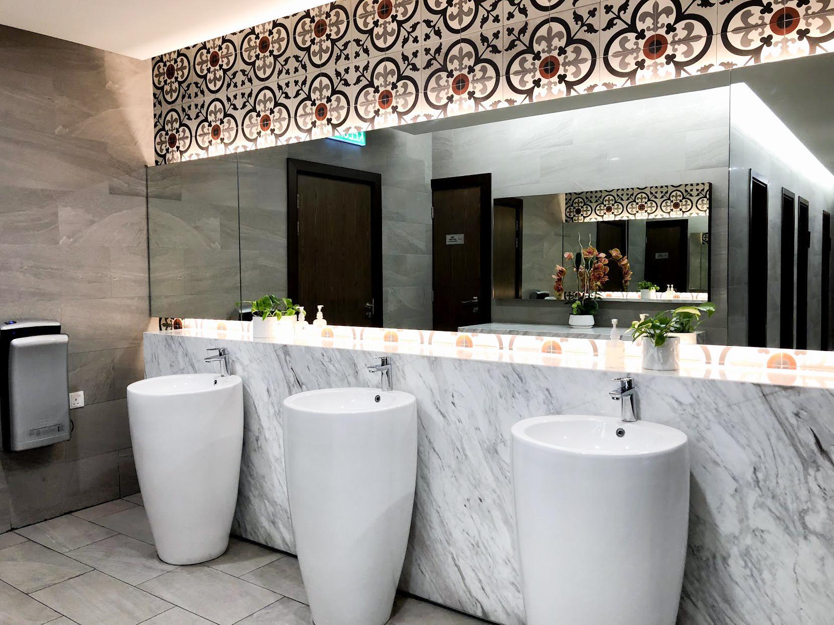 Malaysia Airlines Satellite Golden Lounge Kuala Lumpur bathroom