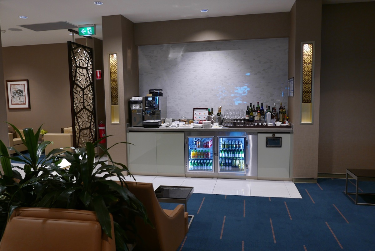The Emirates Business & First Class Lounge Melbourne drinks corner