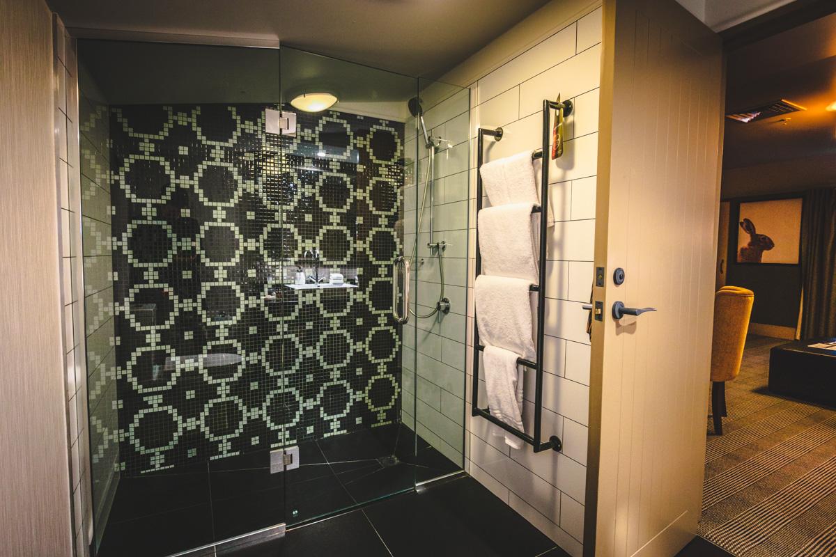 St. Moritz Queenstown one bedroom suite shower