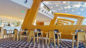 Credit Cards that offer Qantas Club Lounge Access