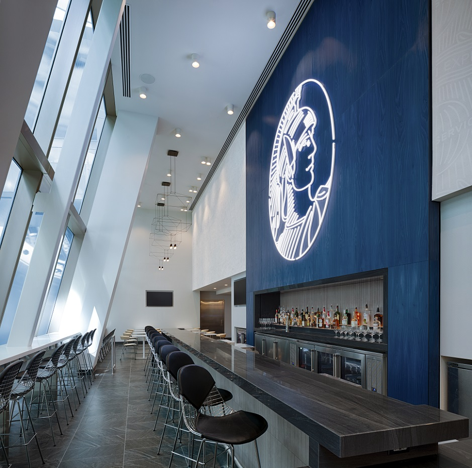 Amex Lounge LAX dining area