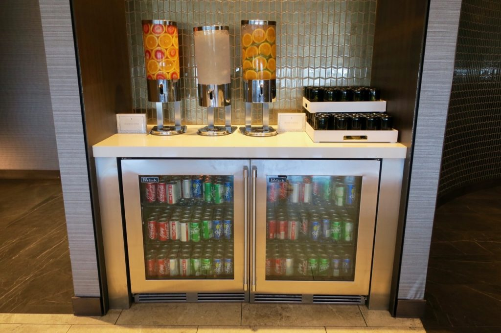 United Polaris Lounge SFO drinks