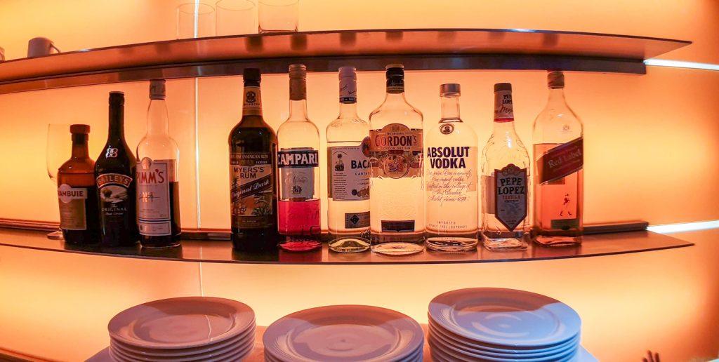 Novotel Century Hong Kong Premier Club Lounge alcohol