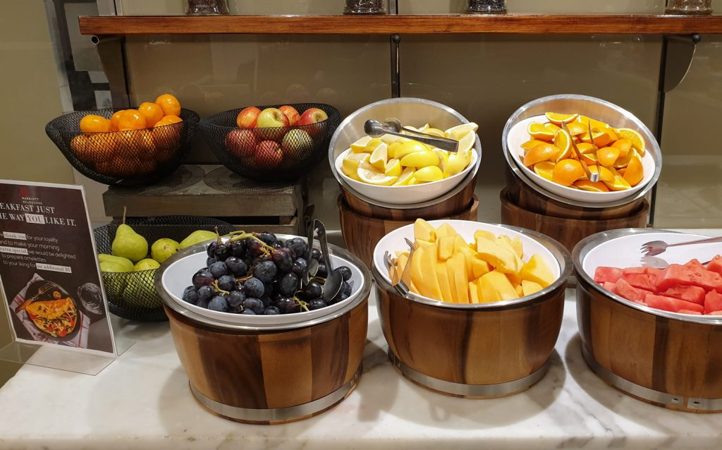 Melbourne Marriott Hotel Executive Lounge fruits