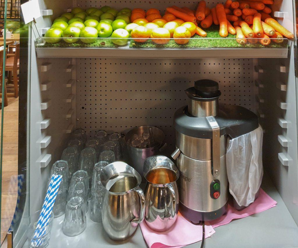DoubleTree Hilton Melbourne breakfast fresh juice