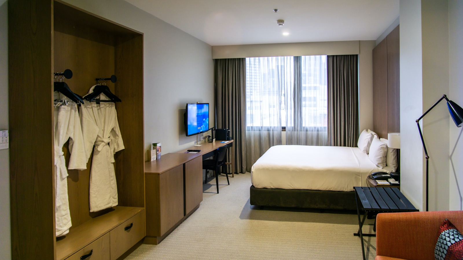 Double Tree Hilton Melbourne King Room