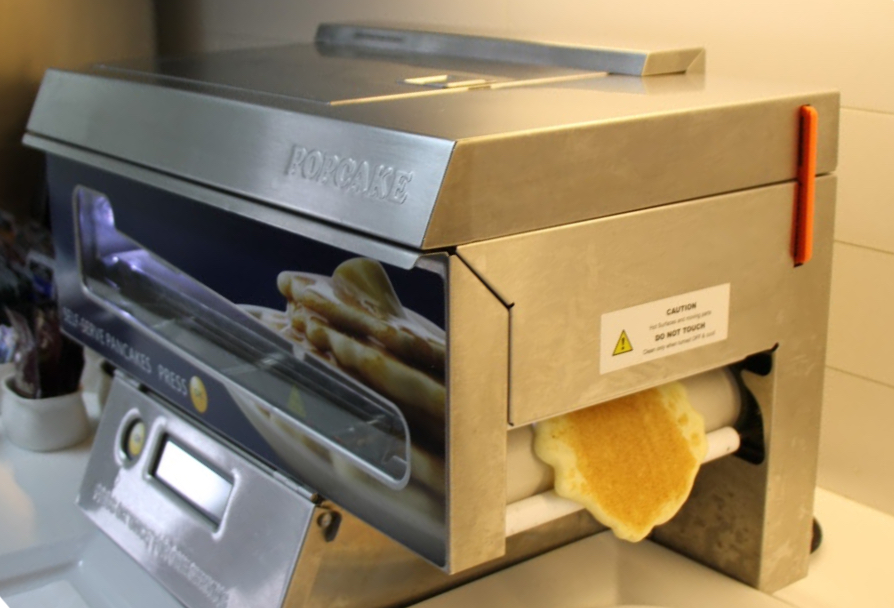19 Qantas Club Lounge pancake maker machine