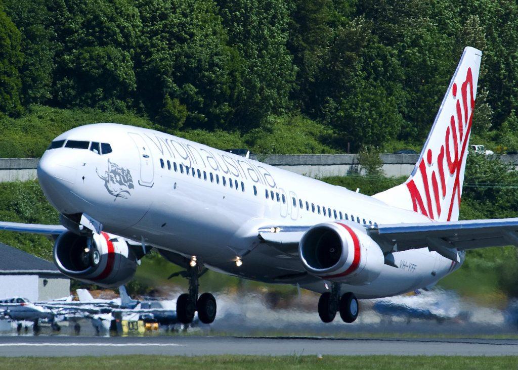 Virgin Australia 737-800 take off